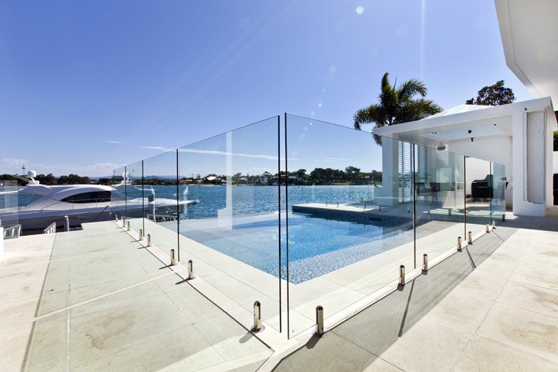 Gold coast fencing pool waterart innovations in glass for Pool design gold coast